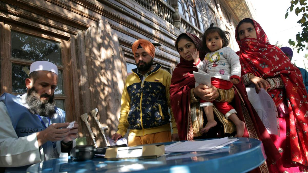 Afghanistan Sikh, Hindu community brave danger to vote