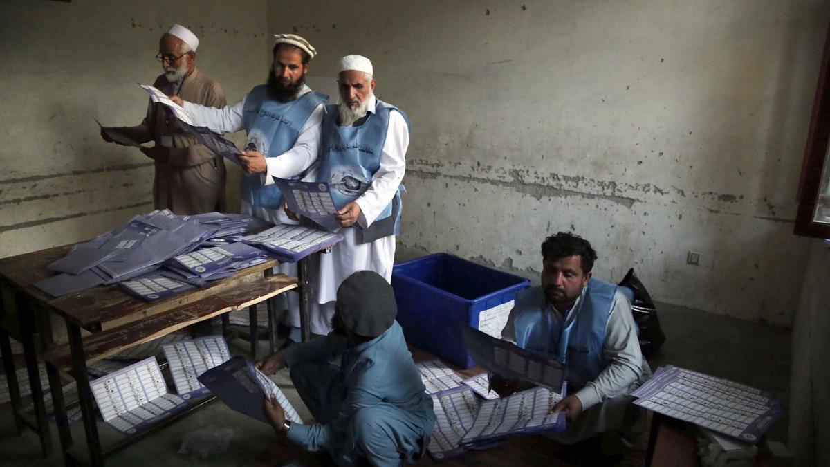 Insurgent attacks mar Afghan parliamentary elections