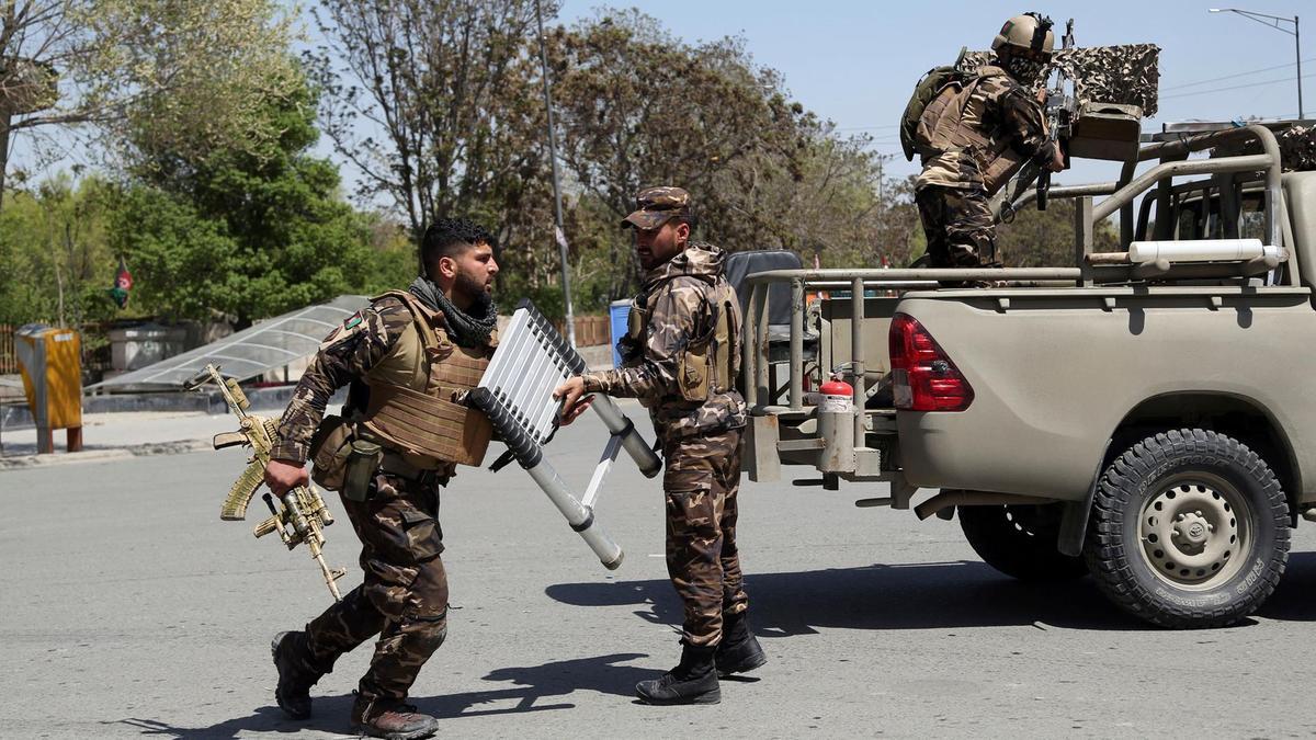 Grateful civilians reward Afghan heroes who saved their lives